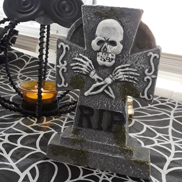 Other - RIP tombstone Halloween ceramic decoration